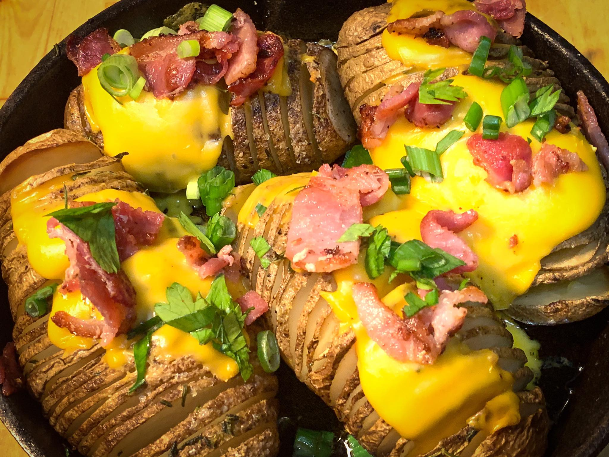 Quarantine dinner #17 Hasselback Potatoes